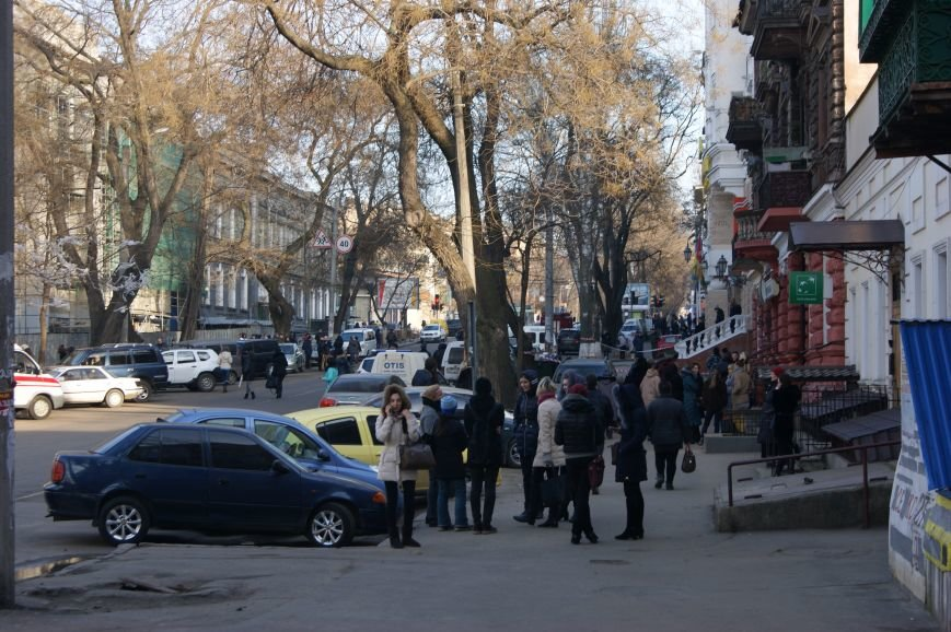 ad10dd608613f6d4c1b2aaf3a38f0699 Из-за телефонных хулиганов в Одессе не ходят троллейбусы и перекрыта улица