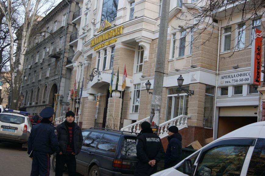 ceb1ef0ccf558e6c980753a565b64c09 Из-за телефонных хулиганов в Одессе не ходят троллейбусы и перекрыта улица