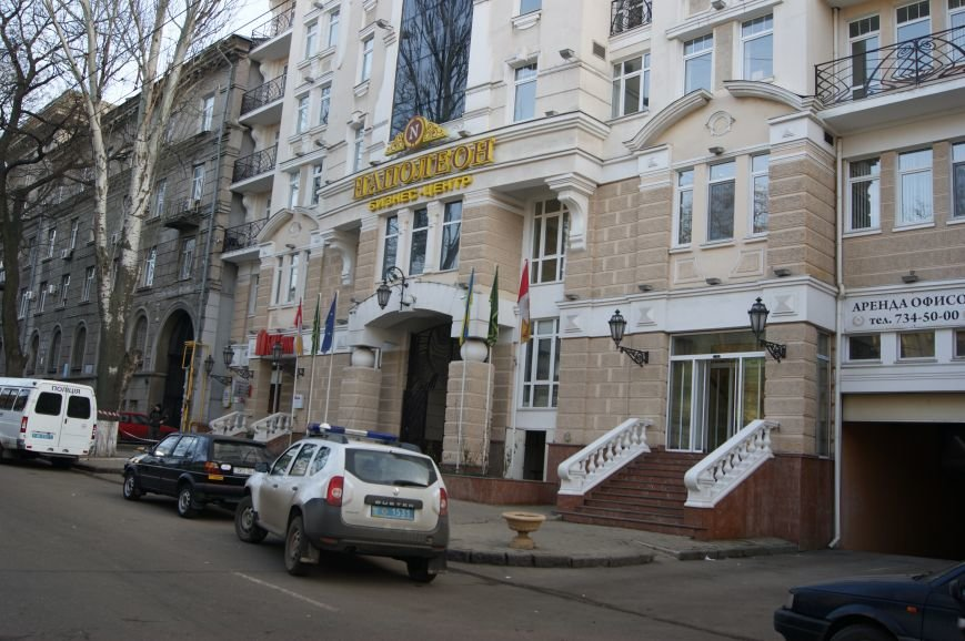f40edb3666353a34b020b248a8647276 Из-за телефонных хулиганов в Одессе не ходят троллейбусы и перекрыта улица