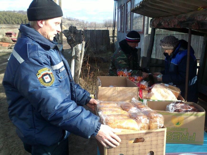 Донские спасатели помогли «отрезанному от цивилизации» хутору (фото) - фото 3