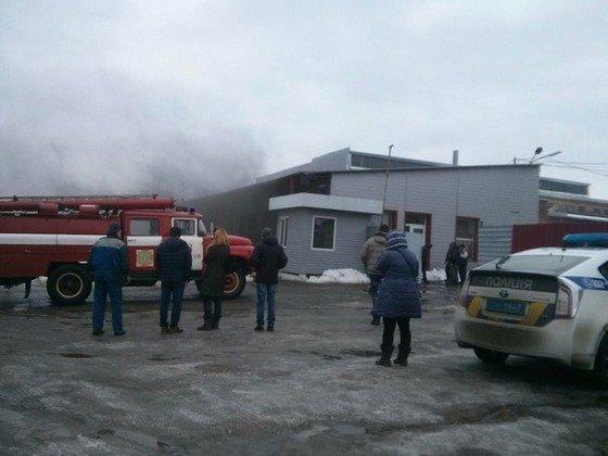 В Харькове горел магазин на улице Академика Павлова (фото) - фото 1
