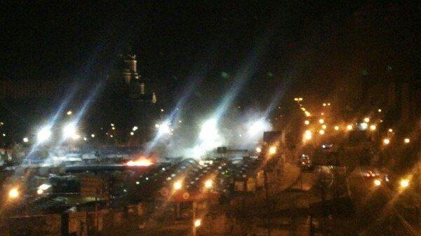В Донецке горит Крытый рынок (фото) (фото) - фото 2