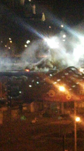 В Донецке горит Крытый рынок (фото) (фото) - фото 3
