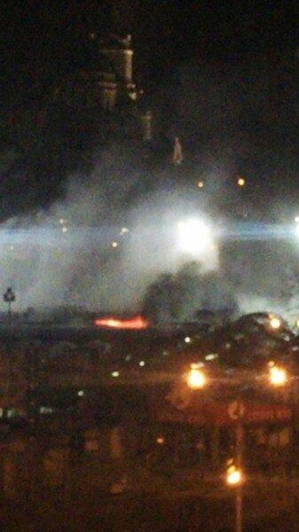 В Донецке горит Крытый рынок (фото) (фото) - фото 4
