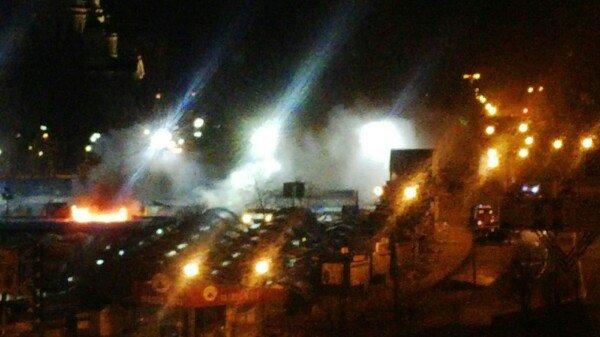 В Донецке горит Крытый рынок (фото) (фото) - фото 1