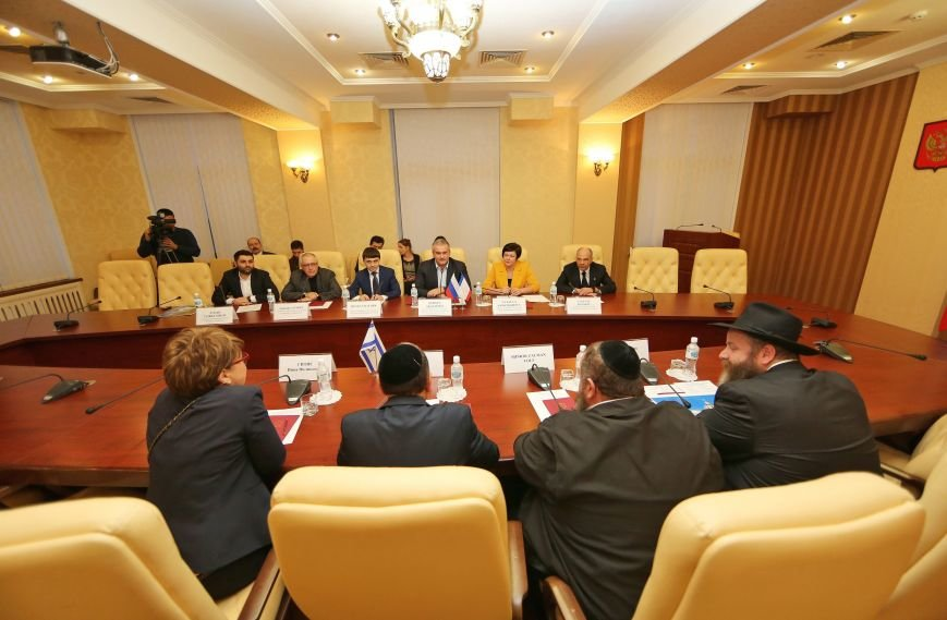 Аксёнов: Встречи с представителями международных делегаций позволят прорвать информационную блокаду Крыма (ФОТО) (фото) - фото 1