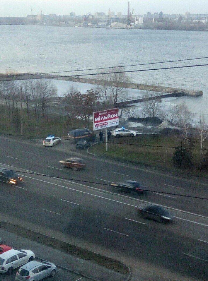 На Набережной обнаружен тайник с взрывчаткой: фотографии (фото) - фото 2