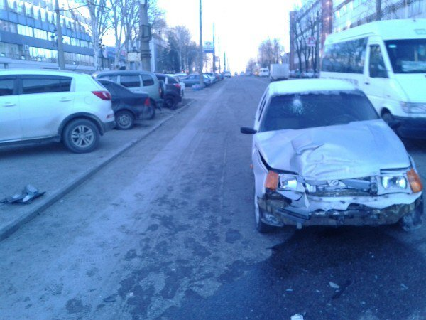В Запорожье ищут свидетелей ДТП, в котором пострадало двое человек, - ФОТО (фото) - фото 1
