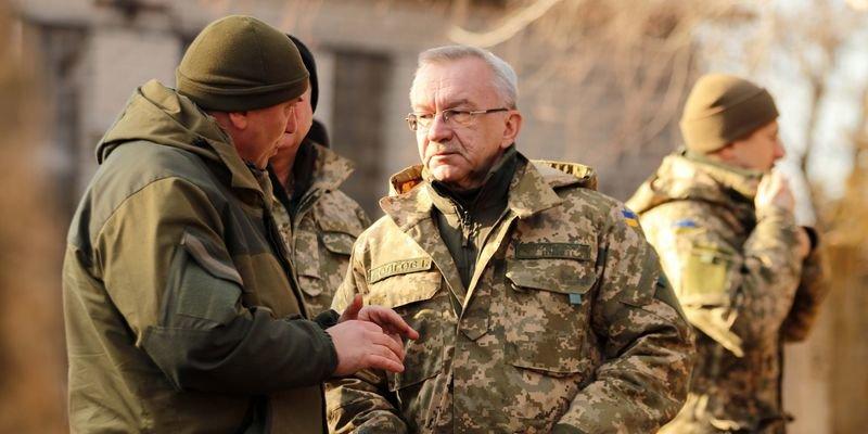 Замминистр обороны Украины наградил защитников Мариуполя (ФОТО) (фото) - фото 1