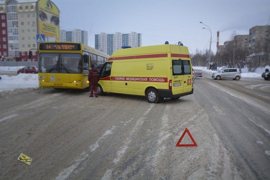 В Нижневартовске в ДТП попала карета