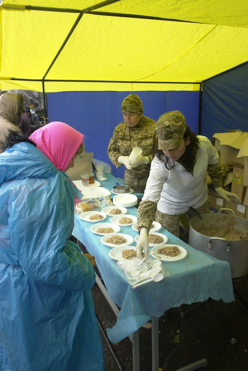 В Покровске (Красноармейске) проходит выставка военной техники, фото-10