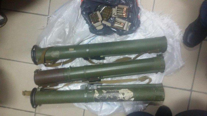 Из Днепропетровска в Тернополь поставляли оружие из зоны АТО: фотографии, фото-1
