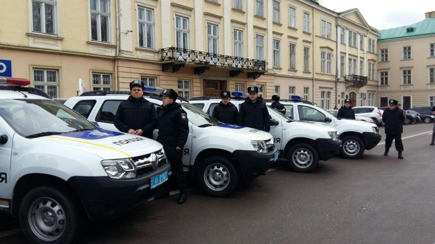 Нова патрульна поліція відтепер працюватиме у 7 райцентрах на Львівщині (ФОТО) (фото) - фото 3