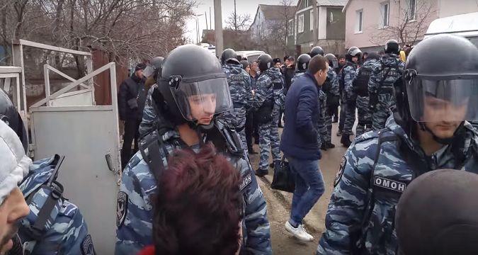 В сети появилось видео сегодняшнего задержания в Крыму (фото) - фото 1