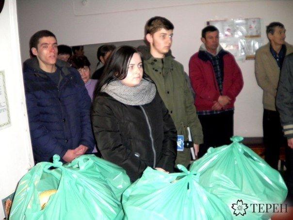 До хворих у Тернополі прийшли з молитвою (фото) (фото) - фото 1