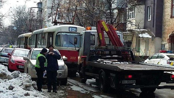 В Харькове «Suzuki» заблокировала движение трамваев (ФОТО) (фото) - фото 1
