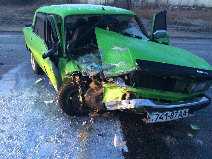 ДТП на Байкальской: таинственный автомобиль превратил ВАЗ в груду метала и скрылся, фото-4