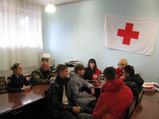 Добропольская «Лига будущих полицейских» побывала в гостях у Красного Креста, фото-2
