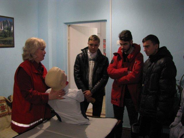 Добропольская «Лига будущих полицейских» побывала в гостях у Красного Креста, фото-1