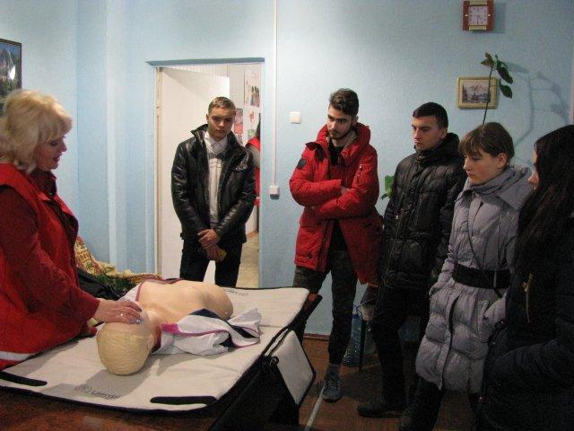 Добропольская «Лига будущих полицейских» побывала в гостях у Красного Креста, фото-3