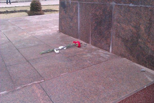 d74e5097e6786d3768479bfe648fc93a Отвезли на покой: Как в Измаиле сносили крупнейший в области памятник Ленину