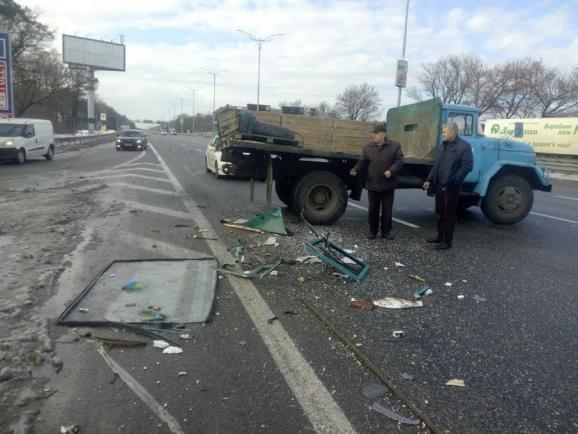 На Жулянском мосту столкнулись автобус и 3 машины, есть пострадавшие (ФОТО), фото-1