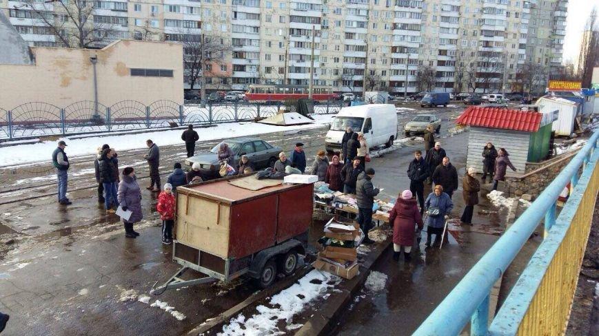 На Оболони торговцы устроили драку с полицией (ФОТО), фото-4