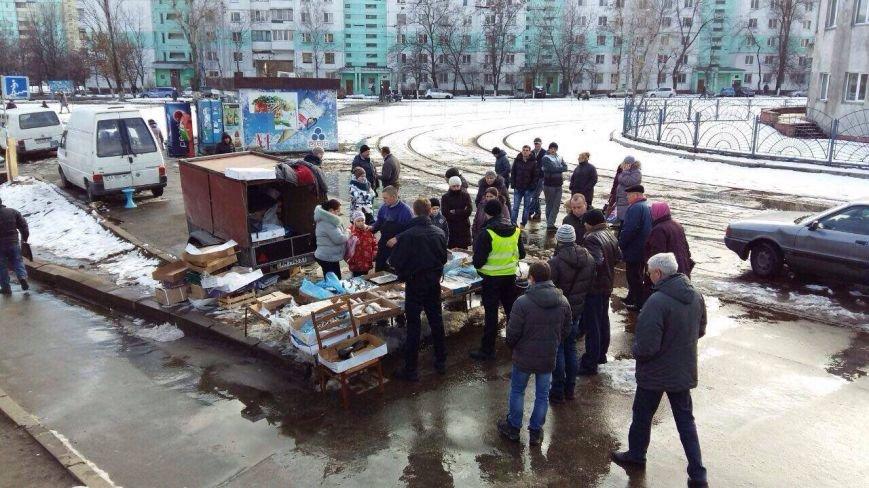 На Оболони торговцы устроили драку с полицией (ФОТО), фото-1