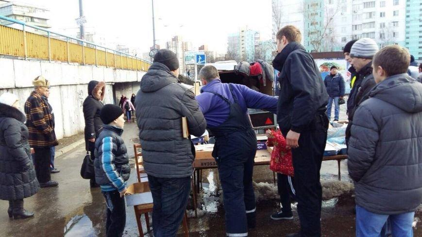 На Оболони торговцы устроили драку с полицией (ФОТО), фото-3