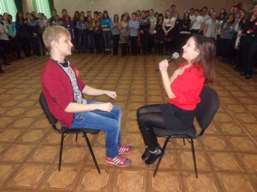 В Центре творчества и досуга Красноармейска отпраздновали День Святого Валентина (фото) - фото 4