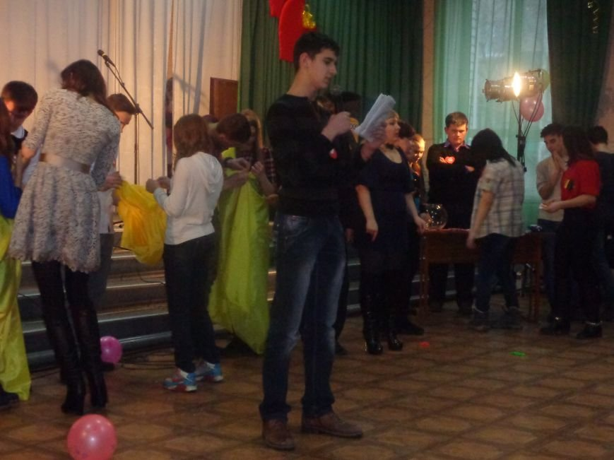 В Центре творчества и досуга Красноармейска отпраздновали День Святого Валентина (фото) - фото 8