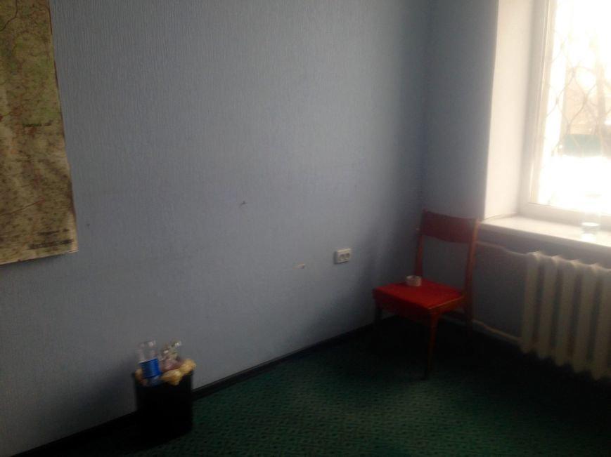 ГАИ и новая полиция в Чернигове не поделили шторы и мебель, фото-1