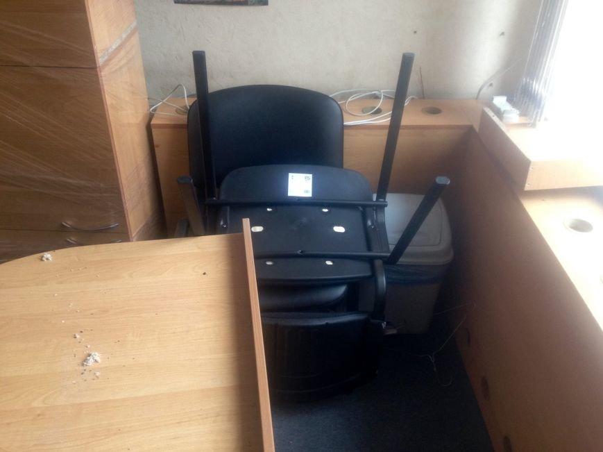 ГАИ и новая полиция в Чернигове не поделили шторы и мебель, фото-4
