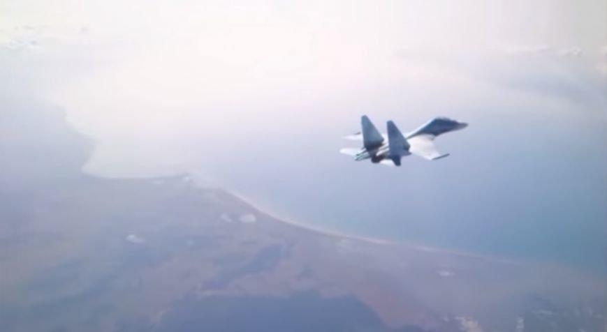 Появилось видео полетов истребителей Су-27 в Крыму, фото-4