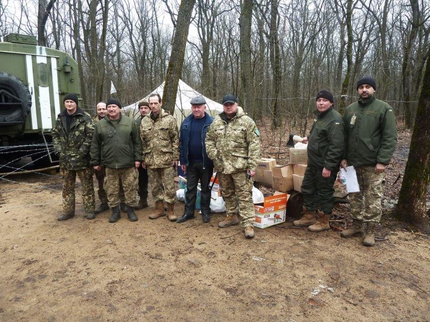 Представители Николаевщины отвезли гуманитарный груз бойцам в зону АТО (ФОТО) (фото) - фото 5