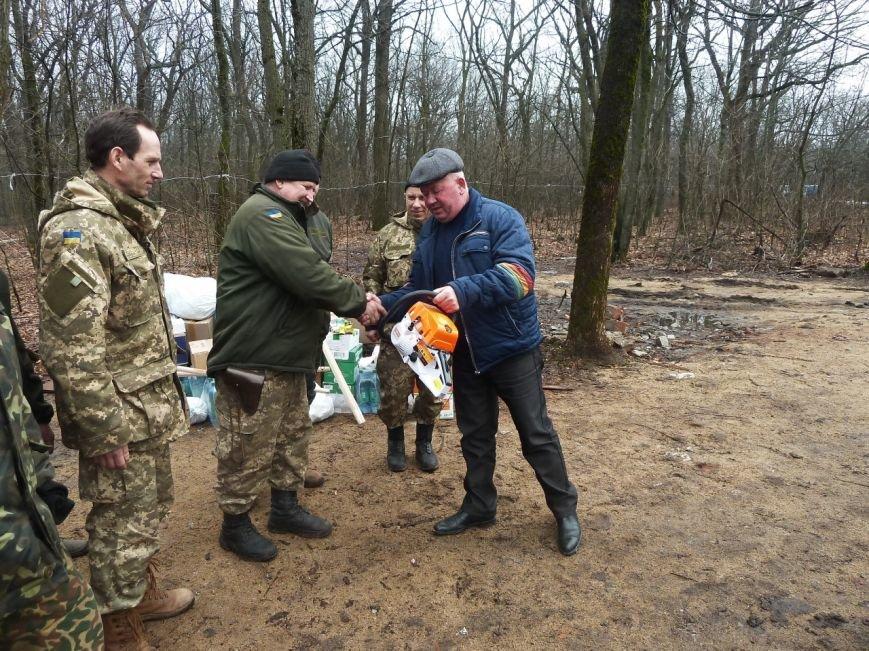 Представители Николаевщины отвезли гуманитарный груз бойцам в зону АТО (ФОТО) (фото) - фото 6