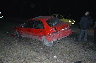 Понівечені автомобілі: на Тернопільщині зіткнулися дві легківки (фото) - фото 1