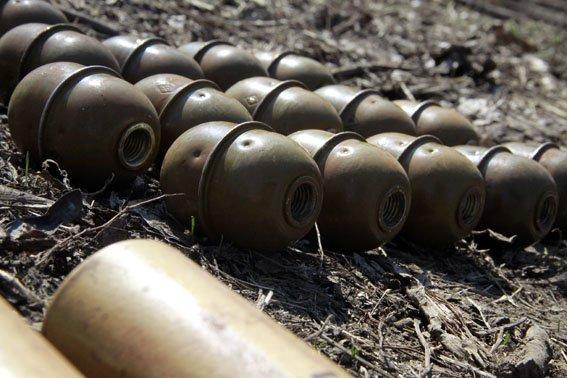 В Донецкой области полиция усиленно ищет оружие (ФОТО) (фото) - фото 1