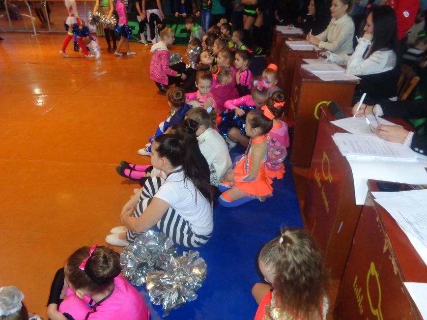 В Красноармейске прошли захватывающие и зрелищные соревнования по чирлидингу (фото) - фото 5