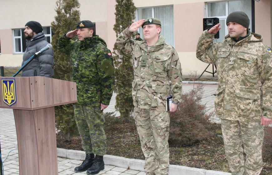 Військові сапери Хмельниччини отримали від канадських та британських колег сертифікати зразка НАТО (Фото) (фото) - фото 1