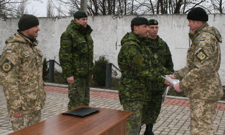 Військові сапери Хмельниччини отримали від канадських та британських колег сертифікати зразка НАТО (Фото) (фото) - фото 2