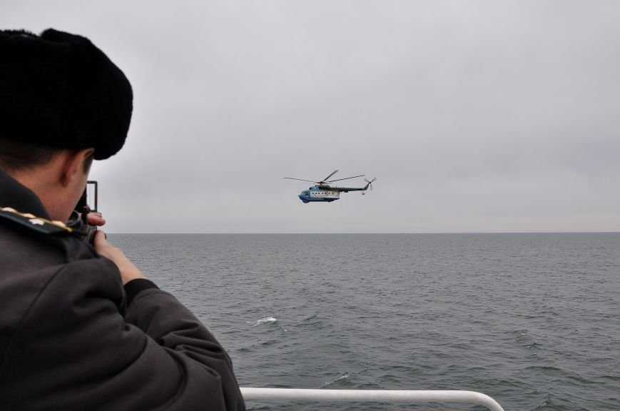 a5ae869cb667ab3508cc0b915c5862b3 На острове Змеином одесские пограничники и военные моряки усилили оборону