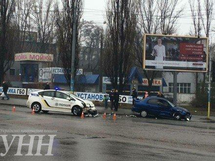 В Киеве произошло ДТП с участием авто полицейских (ФОТО) (фото) - фото 1