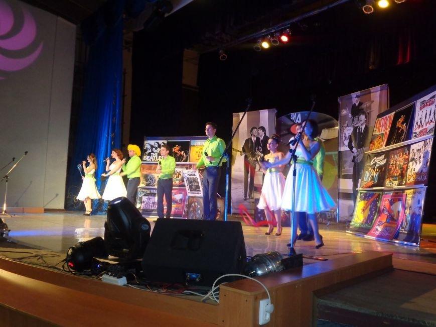 Выход на «бис», Украина в сердце и группа «Kiss»: в Красноармейске отгремел музыкальный концерт «ВИА-Мания» (фото) - фото 4