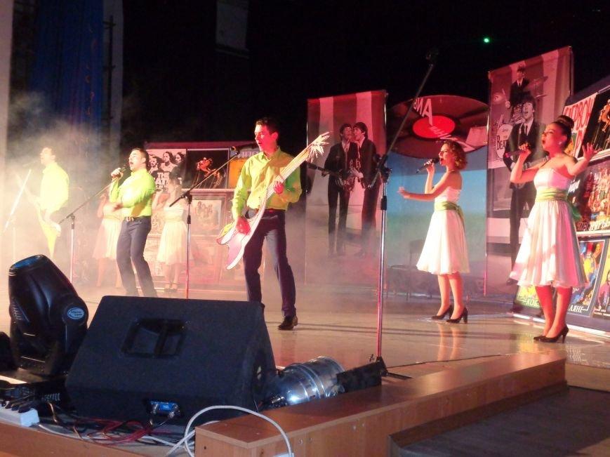 Выход на «бис», Украина в сердце и группа «Kiss»: в Красноармейске отгремел музыкальный концерт «ВИА-Мания» (фото) - фото 6