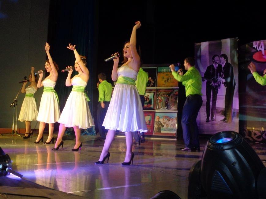 Выход на «бис», Украина в сердце и группа «Kiss»: в Красноармейске отгремел музыкальный концерт «ВИА-Мания» (фото) - фото 8