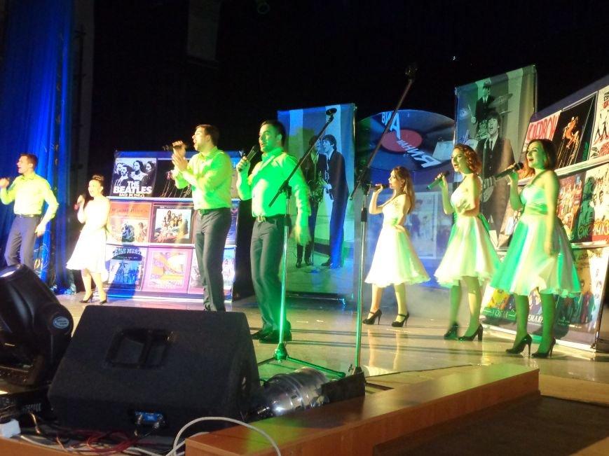 Выход на «бис», Украина в сердце и группа «Kiss»: в Красноармейске отгремел музыкальный концерт «ВИА-Мания» (фото) - фото 7