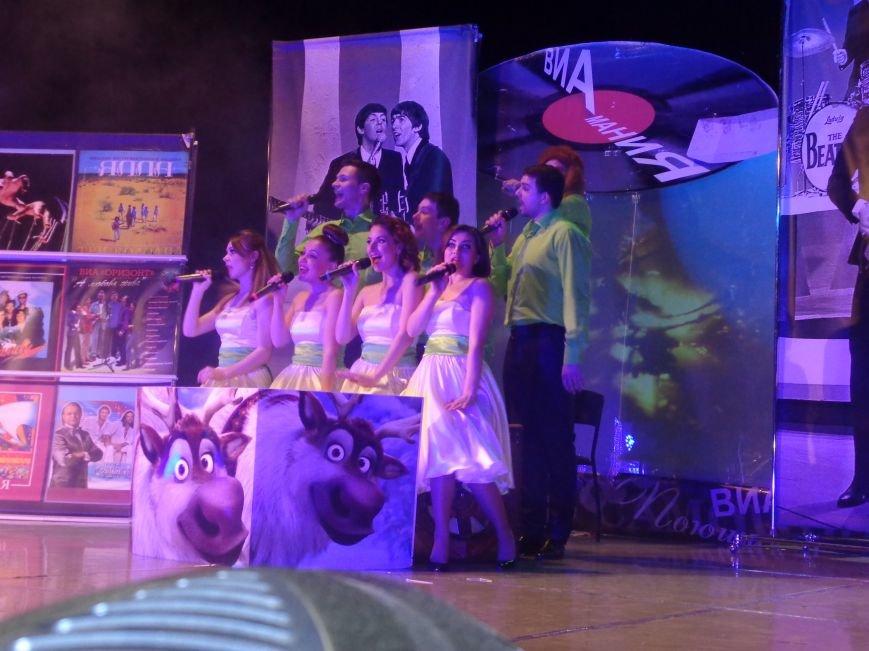 Выход на «бис», Украина в сердце и группа «Kiss»: в Красноармейске отгремел музыкальный концерт «ВИА-Мания» (фото) - фото 5