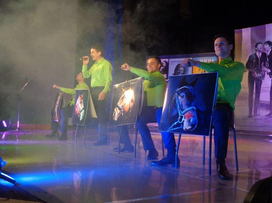 Выход на «бис», Украина в сердце и группа «Kiss»: в Красноармейске отгремел музыкальный концерт «ВИА-Мания» (фото) - фото 3