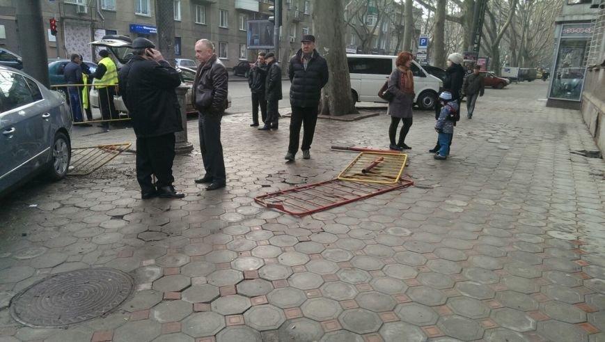 Масштабное столкновение в центре Одессы двух элитных иномарок (ФОТО) (фото) - фото 7